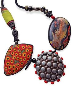 Kansas' Carol Beal (BeadUnsupervised) must have quite a stash of favorite beads that she dips into, mixing and matching until she gets her eclectic, slightly unbalanced look. Rummaging through her Pinterest boards lets you in on how her brain w [...]