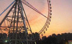 Romantic date idea: Ferris wheel