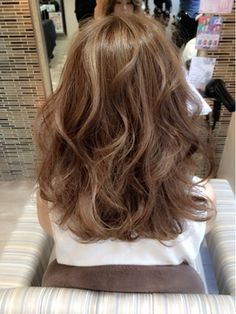 。:°ஐ*。:°ʚ♥ɞ*。:°ஐ* Medium Brown Hair Long Hair Cuts, Wavy Hair, Dyed Hair, Permed Hairstyles, Pretty Hairstyles, Medium Hair Styles, Curly Hair Styles, Hair Arrange, Asian Hair
