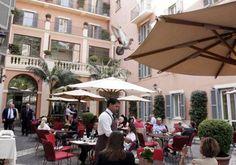Stravinskij Bar, Hotel De Russie, RomaCelebre per i suoi cocktail in una delle vie più belle della Capitale. Premiato anche con la stella