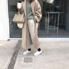 Korean Fashion Tips .Korean Fashion Tips Aesthetic Fashion, Look Fashion, Aesthetic Clothes, Winter Fashion, Fashion Photo, Fashion Women, Mode Outfits, Winter Outfits, Casual Outfits