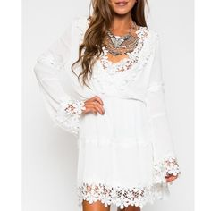 🆕Cotton V Neck Applique Flare Sleeve Mini Dress 6:Shoulder:14.5in,Bust:36.2in,Waist:24.8-42.5in,Length:30.7in,Sleeve Length:23.6in  8:Shoulder:14.9in,Bust:38.1in,Waist:25.9-44.4in,Length:31.1in,Sleeve Length:24.0in  10:Shoulder:15.3in,Bust:40.1in,Waist:26.7-46.6in,Length:31.5in,Sleeve Length:24.4in  12:Shoulder:15.7in,Bust:42.1in,Waist:27.5-48.4in,Length:31.8in,Sleeve Length:24.4in  COLOR:White DETAIL:Applique NECKLINE:V neck PATTERN TYPE:Plain SLEEVE LENGTH:Long sleeve Polyester,Cotton…
