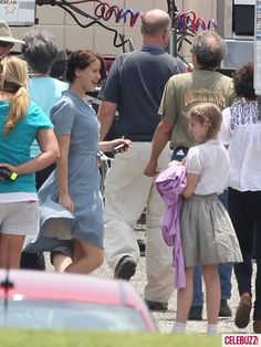 Jennifer Lawrence and Willow Shields filming. 20 bucks Jen is saying something crazy and amazing