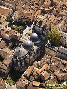 Cahors by La Collection Grands Sites de Midi-Pyrénées, via Flickr