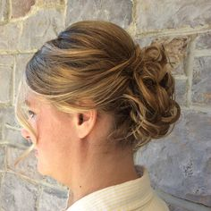Messy up-do by Coz #updo #bridesmaid #weddingstyle #headbangers #devonpa