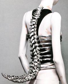spine corset alexander mcqueen
