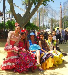 Andalusian girls enjoying their fiesta Feria del Caballo in #Jerez de la Frontera. http://www.ferienwohnungen-spanien.de/Costa-de-la-Luz/artikel/pferde-und-sherry-ein-fest-der-sinne-auf-der-feria-in-jerez