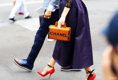 chanel bag on the street - Szukaj w Google
