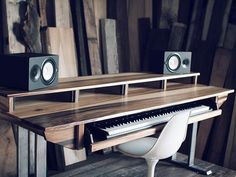 New music studio desk design ideas Studio Desk Music, Home Studio Musik, Home Recording Studio Setup, Music Desk, Home Studio Setup, Studio Table, Piano Desk, Studio Ideas, Muebles Home