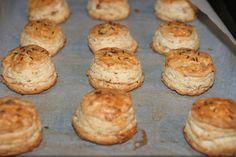 Pogacele cu jumeri | MiremircMiremirc Bakery, Muffin, Sweets, Breakfast, Desserts, Food, Morning Coffee, Tailgate Desserts, Deserts