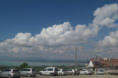 Konya Beyşehir YAKAMANASTIRdan bir kare gölü çekmek isterken gökyüzündeki bulutları yakaladım birazcık.