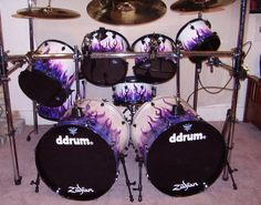 tommy lee cage drum sets - Google Search Cool Wraps, Dope Music, How To Play Drums, Drum Sets, Tommy Lee, Snare Drum, Beautiful Guitars, Just Do It, Musical Instruments
