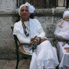 El encanto de la cultura cubana se respira en cada calle y es revelado por los enigmas de cada isleño. Fuego Cubano es una porción de esta magia en Medellín. Pinterest: