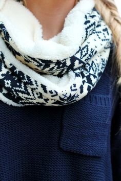 Nordic Snowflake Infinity Scarf   UOIOnline.com: Women's Clothing Boutique