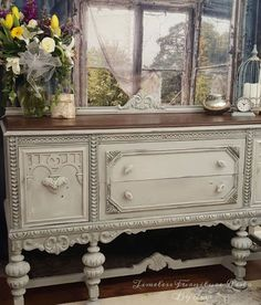 furniture muebles plain old brown jacobean buffet to beautiful buffet, chalk paint, painted furniture Refurbished Furniture, Repurposed Furniture, Shabby Chic Furniture, Furniture Makeover, Vintage Furniture, Antique Painted Furniture, Shabby Chic Buffet, Western Furniture, Chalk Paint Furniture