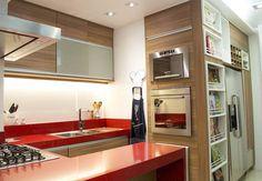 Cozinha em apartamento em Copacabana - RJ: Cozinhas Moderno por Marcia Vaz Arquitetura Design e Interiores