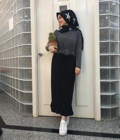Islamic Fashion, Muslim Fashion, Modest Fashion, Stylish Hijab, Casual Hijab Outfit, Street Hijab Fashion, Modest Wear, Couple Outfits, Mode Hijab