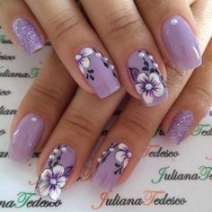 99 Fotos von lila Nägeln Farbe aus dem Jahr 2019 – Nageldesign & Nailart, You can collect images you discovered organize them, add your own ideas to your collections and share with other people. Purple Nail Art, Purple Nail Designs, Flower Nail Designs, Flower Nail Art, Nail Designs Spring, Acrylic Nail Designs, Nail Art Designs, Purple Nails With Design, Nails Design