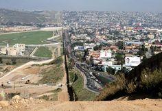 Do lado esquerdo está os EUA e do lado direito está o México.!..