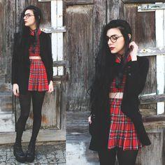 Holynights Claudia - Deandri Tartan Crop Top, Frontrowshop Wool Blazer, Unif Boots - Red tartan
