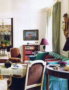 turquoise and plum details Fresh Living Room, Living Room Decor, Living Room Inspiration, Interior Inspiration, Design Inspiration, Design Ideas, Beautiful Interiors, Colorful Interiors, French Interiors