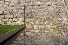 Barcelona architect Anna Noguera has converted a sixteenth-century house in Girona, Spain into two contemporary holiday apartments. Located in the core part of Girona's medieval quarter, within the scope of the first wall and overlooking Architecture Details, Landscape Architecture, Landscape Design, Moderne Pools, Medieval Houses, Duplex, Spain Holidays, Holiday Apartments, Water Pond