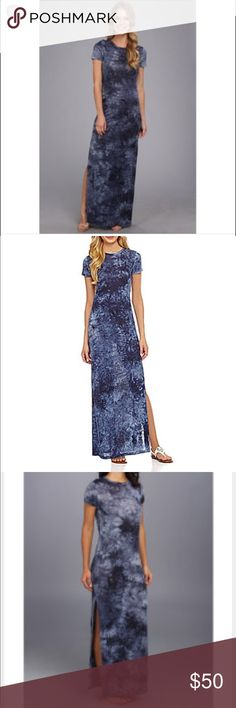 Michael Kors dress- size small Michael Kors tie dye dress. Size small. Striking tie-dye print and side slits on this linen maxi let you breeze out of town with ease. Chic, playful look. Linen. Crew neckline. Pullover style. Gorgeous navy blue tones. MICHAEL Michael Kors Dresses Maxi