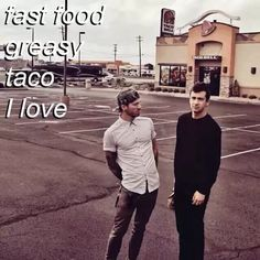 Nacho bell grande, cheesy gordita, I like your nachos like diarrhea Twenty One Pilots, Song Lyric Quotes, Lyrics, Tyler And Josh, Tyler Joseph, Happy Boy, Music Memes, Staying Alive, Fall Out Boy