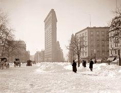 Winter in New York, 1900 - Flatiron building, Madison Square Park.
