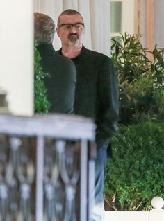The singer was pictured as he left an art exhibition in the Swiss city George Michael Died, Celebrity News, Celebrity Style, Careless Whisper, True Legend, Famous People, First Love, Singer, Celebrities