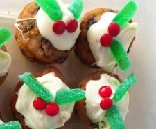 Recipe Mini Christmas Puddings by kmcgibbon - Recipe of category Desserts & sweets Mini Christmas Puddings, Mini Christmas Cakes, Christmas Recipes, Christmas Ideas, White Frosting, Xmas Food, Mini Muffins, Recipe Community, High Tea