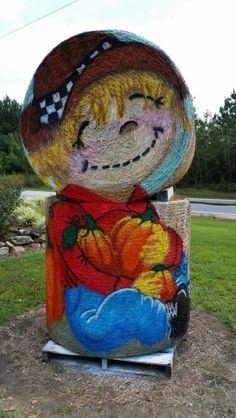 Painted hay bale at Hill Ridge Farms by Cyndi Mcknight fall Halloween Art, Halloween Decorations, Hay Bale Decorations, Straw Art, Pumpkin Farm, Ranch Decor, Barn Parties, Hay Bales, Animal Sculptures