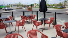 Sun Set Grill with red Sierra chairs done by Jadon Outdoors