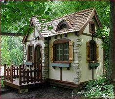 Cute exterior dollhouse ideas