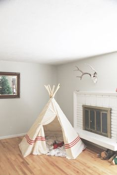big kid teepee tutorial, how to make one on the cheap! Diy Kids Teepee, Kids Teepee Tent, Teepees, How To Make Teepee, Tp Tent, Childrens Teepee, Teepee Tutorial, Home Crafts, Diy Home Decor