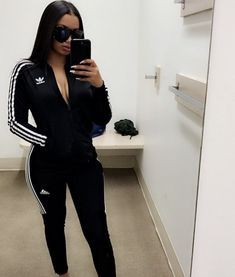 Great Fashion Looks Chill Outfits, Sporty Outfits, Dope Outfits, Fashion Outfits, Womens Fashion, Fashion Ideas, Fashion Killa, Look Fashion, Autumn Fashion