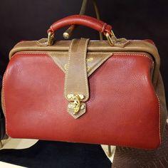 b6d64c24ec635 De 76 beste afbeelding van Dokterstassen uit 2019 - Leather purses ...