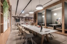D&P Associates completed the design for the Spaces Hung Sheng coworking offices located in Taipei, Taiwan. Situated in the booming Zhongshan District, Office Space Design, Modern Office Design, Workspace Design, Office Interior Design, Office Interiors, Working Space Design, Luxury Office, Co Working, Coworking Space