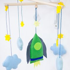 baby-mobile *space*  #die_buntique #diebuntique #handmade #shop  #design #babymobile #babyboy #cloud #rocket #store #kirchengasse #vienna