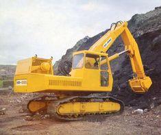 International Construction Equipment Shipping of Caterpillars / Kobelco / Komatsu Products to Port Djibouti! - K International Mining Equipment, Heavy Equipment, Earth Moving Equipment, Hydraulic Excavator, Classic Tractor, Big Trucks, Science And Nature, Caterpillar, Tractors