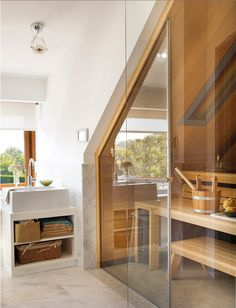 Badkamer onder schuin dak tegel douche google zoeken badkamer pinterest s k - Tub onder dak ...