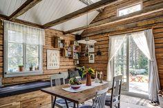 Love it!! Avan 462 - Fritidshus till salu i Lövånger   Länsförsäkringar Fastighetsförmedling Forest House, Divider, Cabin, Rustic, Interior, Outdoor Decor, Room, Furniture, Ideas