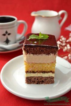 Prajitura Kassai, o prajitura de casa foarte apreciata de noi. A fost refacuta… Romanian Desserts, Romanian Food, Mini Cakes, Cupcake Cakes, Square Cakes, Pastry Cake, Sweets Recipes, Homemade Cakes, Something Sweet