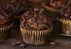 Make fancy cupcakes for all your friends with gourmet cupcake recipes! My Food and Family has gourmet cupcake recipes for fans of pumpkin spice, OREO and more. Kraft Foods, Kraft Recipes, Blueberry Zucchini Cake, Chocolate Zucchini Cupcakes, Chocolate Frosting, Chocolate Cake, Zucchini Muffins, Chocolate Chips, Salted Chocolate
