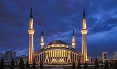 主麻吉慶! 位於安卡拉於2008年完工設計新穎的一座清真寺Ankara/Ahmet Hamdi Akseki camii,聽說也是現任總統常來參加主麻的地方。