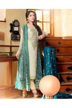 Appear remarkably gorgeous wearing this White and Green salwar suit made of chiffon. #salwarsuitsforwomen #womensethnicwear #ethnicwearforwomen #womenssalwarsuits  https://trendybharat.com/women/ethnics-wear/women-ethnic-wear-pakistani-lawn-suits/white-and-green-chiffon-salwar-suit-set-wa0164