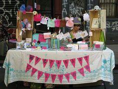 Diseñar una mesa para un mercado. Fotos e inspiración: cartel