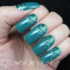 This is the way I need to wake: A manicure using China Glaze Exotic Encounters, Zoya Ivanka and China Glaze Optical Illusion
