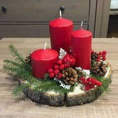Christmas Candle Decorations, Christmas Candles, Winter Christmas, Christmas Themes, Christmas Crafts, Elegant Christmas, Centerpiece Decorations, Farmhouse Christmas Decor, Christmas Party Centerpieces