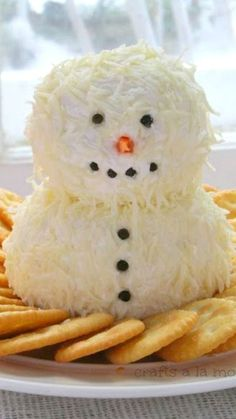 Snowman Cheeseball Recipe (I'd make this with my pineapple cheese ball recipe!) ~ this is a cute and Yummy snowman made from cream cheese and finely shredded mozzarella cheese! Christmas Party Food, Christmas Appetizers, Christmas Cooking, Christmas Goodies, Christmas Fun, Party Appetizers, Christmas Cheese, Womens Christmas, Christmas Entertaining
